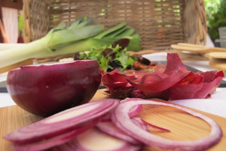 comida crua, carpaccio, novilho, classico, azeite, salada, molho balsamico
