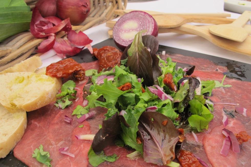 carpaccio, carpaccio de novilho, tomate seco, tostas em azeite, comida, comida saudável, salada iberica, refeição light, novilho, carne