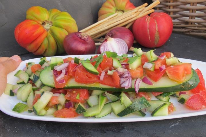 salada de pepino, comida crua, tomate