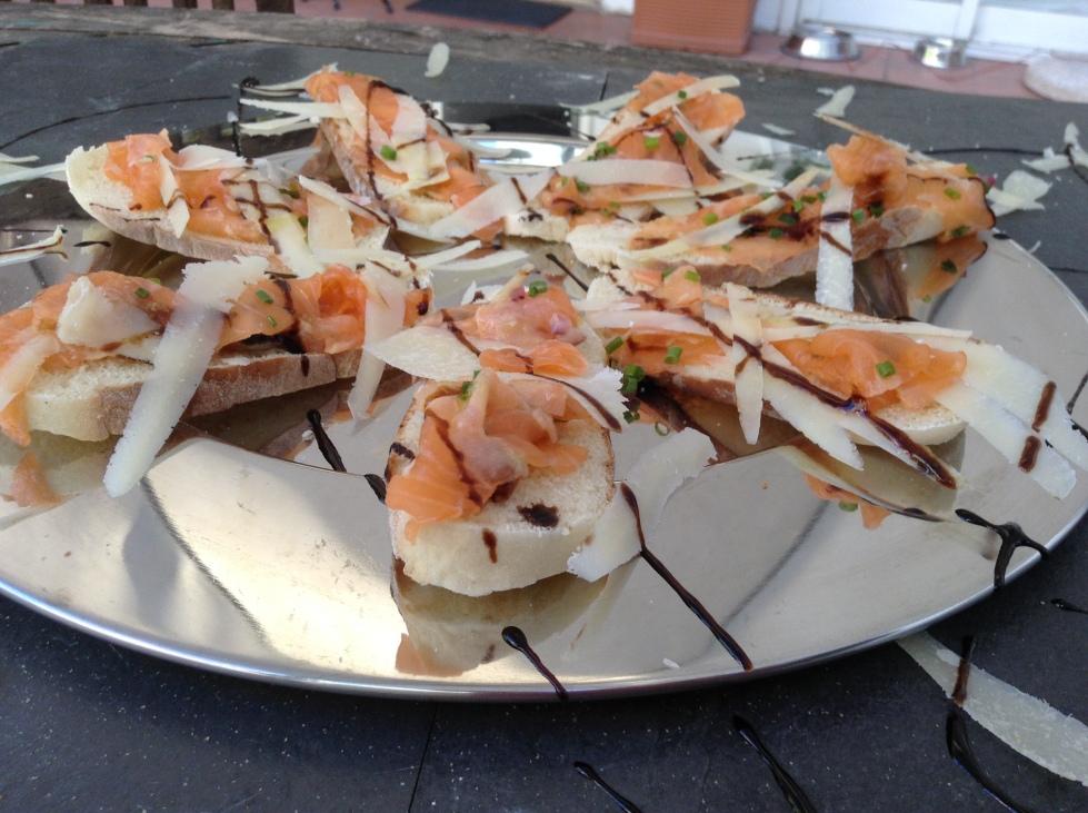 Bruschetta de Carpaccio de salmão @ cru com pinta