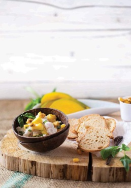 Ceviche Branco, manga e milho frito. Cru com pinta