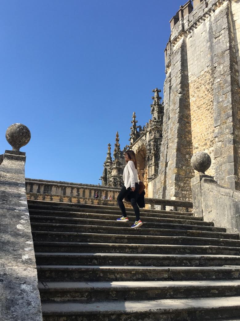 Cru com pinta. Cidade de tomar. Portugal. Uma cidade por mês.