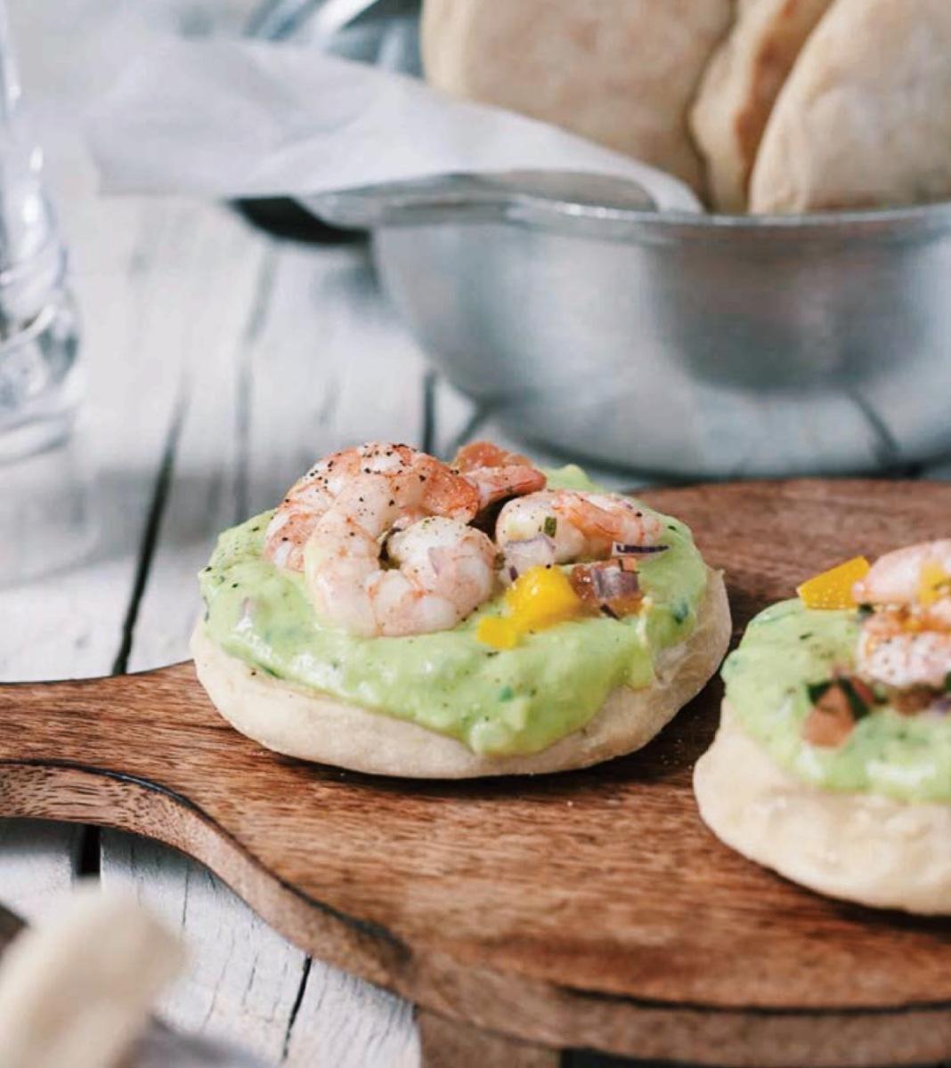 Bruschetta de ceviche de camarão e guacamole | brunch?!