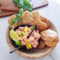 Ceviche de Salmão, manga e manjericão